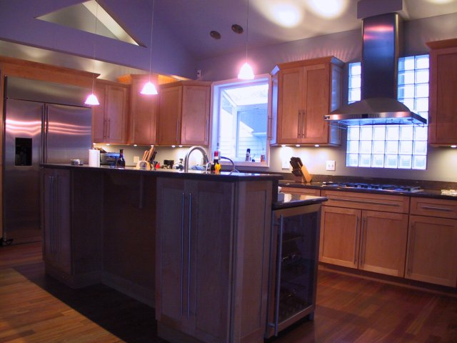 This wide-angle shot gives a feel for the overall evening